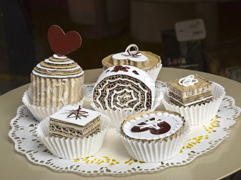 3457795-844444-tartlets-fairy-cakes-made-of-paper-and-cardboard.jpg 480×360 pixels