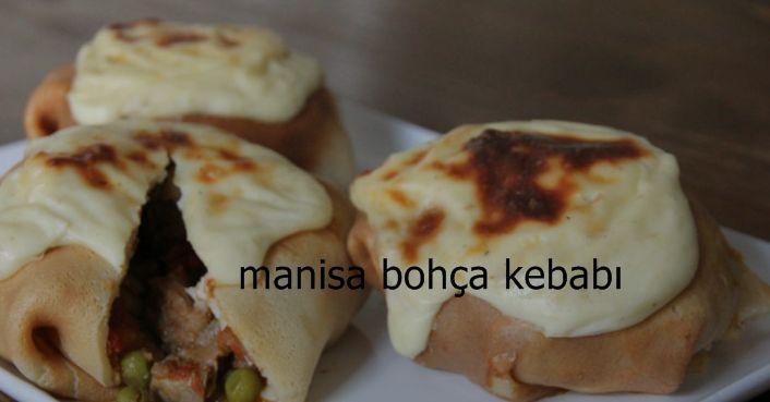 Manisa yöresine ait muhteşem bir lezzettir bohça kebabı. Bol sebzeli et sotenin kreple bohça haline getirildiği bu eşsiz lezzet Manisa ve yöresinde en çok sevilen et yemeklerinden birisi. Bu muhteşem yemeği mutlaka siz de denemeli, sevdiklerinizi de bu lezzetle tanıştırmalısınız. #yemek #tarifleri #et #yemekleri  #tarifi #manisa #bohca #kebabı