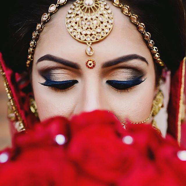 Perfection..❤️ #sandywedspumpy ---------------------------------------------------- Hair+Make-Up @beautyconceptofficial @iamjennywu  Cinematographer @samedayedit  #sikhwedding #sikh #indianbride #sikhbride #photooftheday #wedding #weddingphotography #weddingday #indianwedding #southasianwedding #marriage #weddingseason #iphoneonly #love #bride #groom #henna #weddingphoto #allthingsbridal #bridal #mehendi #weddingsutra #bridalparty #ootd #bengali #hinduwedding #hinduwedding #floral…