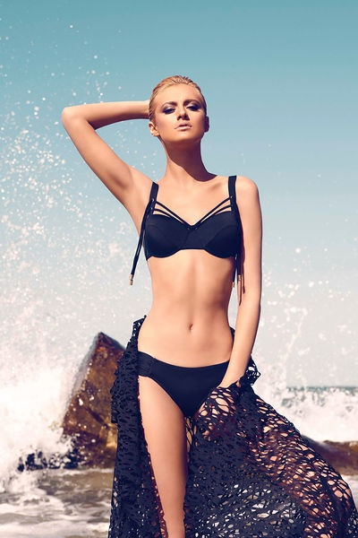 Moeva - Swimwear - 2013 collection  http://en.flip-zone.com/fashion/swimwear/moeva