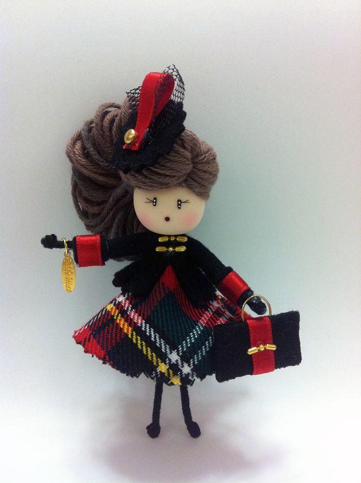 Broche muñeca Moñita www.mischic.com