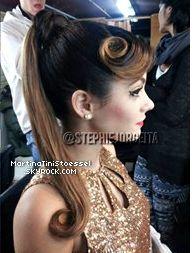 Beautiful retro hairstyle de Martina Stoessel