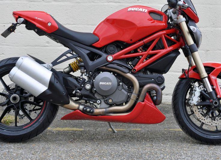 Ducati Monster 1100 Evo - http://motorcyclecarz.com/ducati-monster-1100-evo/