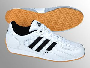 Fencing Shoe - Adidas En Garde - The Fencing Post