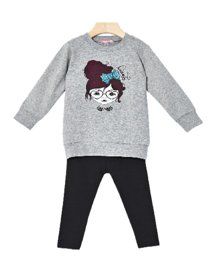 COMPLETO LIU JO BABY,  #Completo per #bambine della Liu Jo Baby composto da una maxi #maglia e da un #leggings. Maxi #maglie Liu Jo Baby di #colore #grigio #ghiaccio, maniche lunghe, #girocollo, spacco sul retro, stampa frontale impreziosita da #strass. #Leggings Liu Jo #Baby in #jersey di colore #nero con banda elastica in vita. #liujo #liujobaby http://www.abbigliamento-bambini.eu/compra/maxi-maglia-leggings-liu-jo-baby-2973715