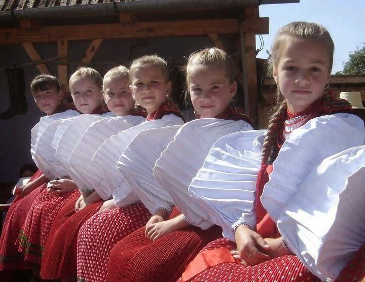 Magyar hímzések és motívumok kincsestára