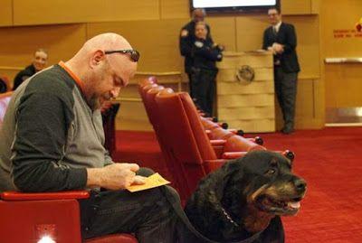 Αντιγραφάκιας: Το Λας Βέγκας αποφάσισε: όχι σε σκύλους από εκτροφ...