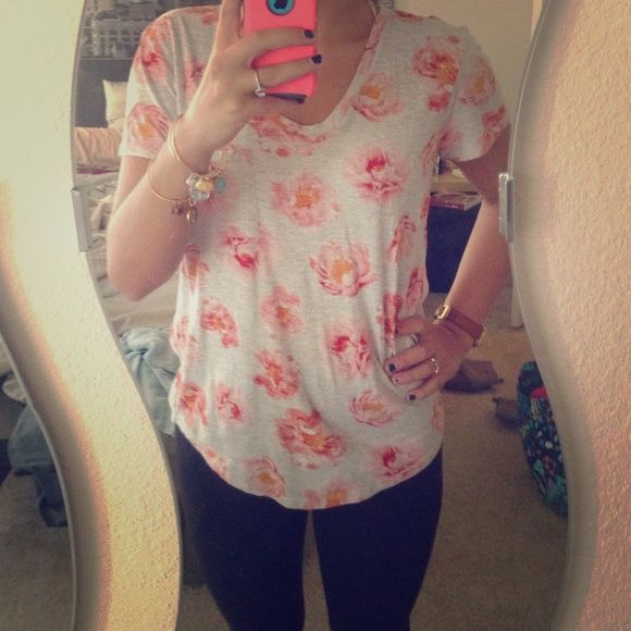 Floral Short Sleeve Top Gray background, pink flowers with a little bit of orange and red in the detailing. Never worn. No trades! LOFT Tops