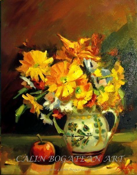 Flori galbeneîn Vas de lut și măr pictură în ulei pe pânză natură statică tablou realist pictură hiperrealistă lucrare originală de artă pictată de pictorul profesionist Călin Bogătean membru al Uniunii Artiștilor Plastici Profesioniști din România.  Picturi cu flori tablouri florale flori pictate pe panza natură moartă pe pânză natură statică picturi flori
