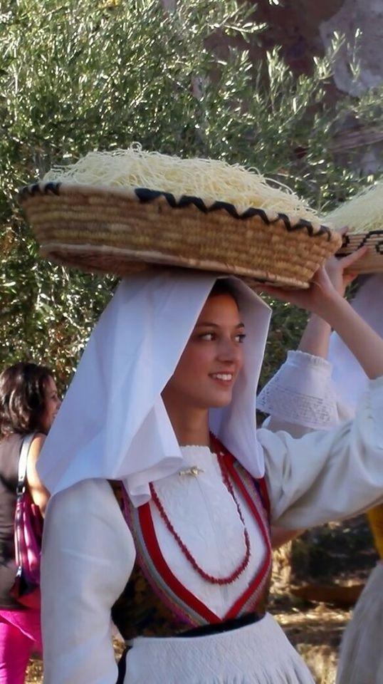 Busachi..(Sardegna ) Sagra su succu....