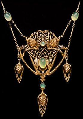 An Art Nouveau 'Fir Cone Necklace', by JEAN-ETIENNE DIMANCHE. Gilded silver and chalcedony. Marked: 'JD', French, c.1910. #Dimanche #ArtNouveau #necklace