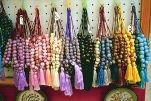 Make your own Greek worry beads to relieve stress.