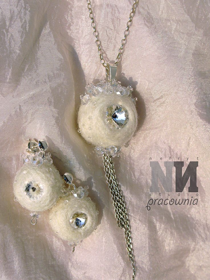 The Snow balls and ice crystals, pendant and earings - felted merino wool, Svarovski cristals and silver.