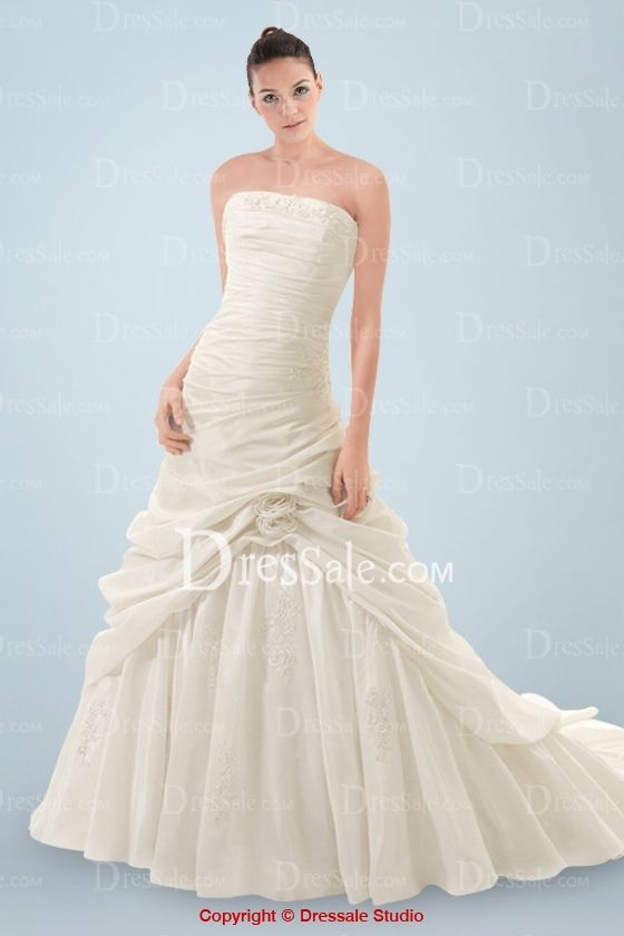 Magnificent A-line Wedding Dress with Embroidery