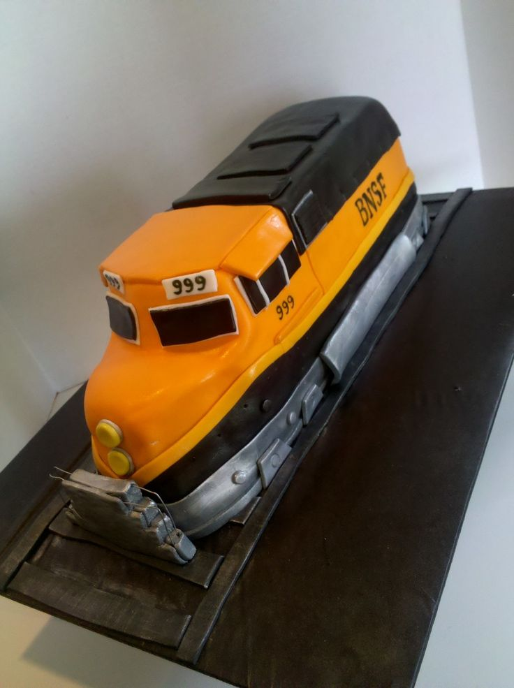 Bnsf railroad car train birthday cake railroad