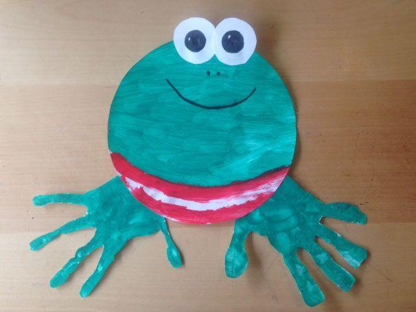 """Kikker van Max Velthuis knutselen. Leuk voor bij de Kinderboekenweek thema feest """"Kikker viert feest""""."""