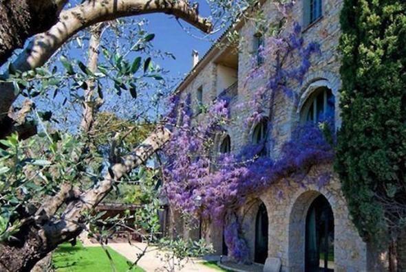 In vendita la villa dove visse Pablo Picasso per 220 milioni di dollari - Casa24 - Il Sole 24 ORE http://foto.ilsole24ore.com/Casa24/mercato-immobiliare/2013/casa-Picasso-Mougins/casa-Picasso-Mougins_fotogallery.php