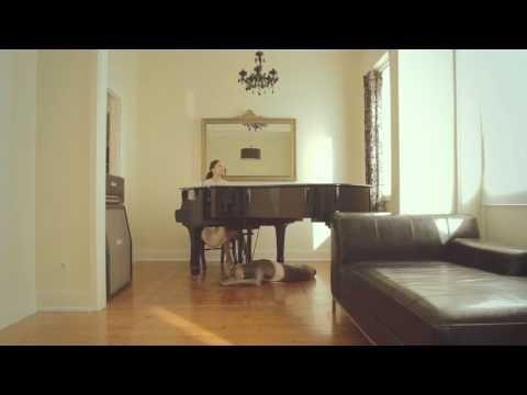 Mónica Ferraz - GOLDEN DAYS (Videoclip)