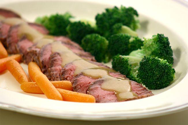 O clássico prato inglês é fácil, fácil de fazer e rende um jantar delicioso e chique. Com legumes salteados, é refeição completa.