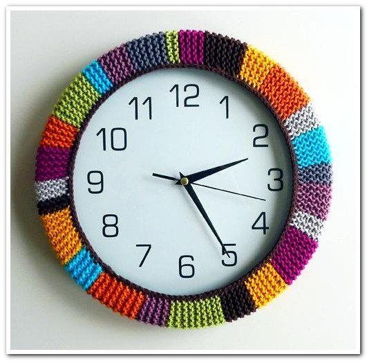 Декор настенных часов вязанные