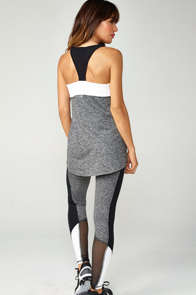 Our color blocked legging is a great way to add a pop of color to your workout wardrobe. Higher waistband holds you in in all the right places. Moisture wickin