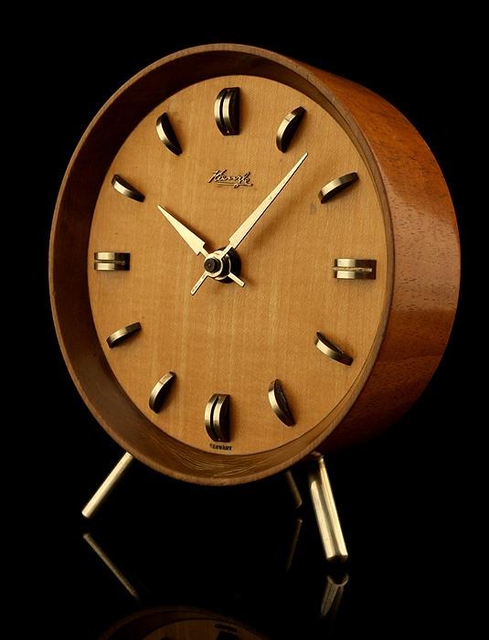 Kienzle Desk Clock Things Desk Clock Clock Seiko Watches