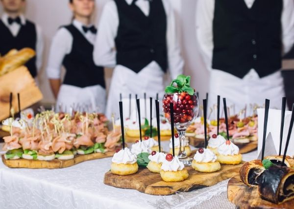 5 Tips To Hire Catering Services For An Event Wedding Food Catering Wedding Catering Wedding Food