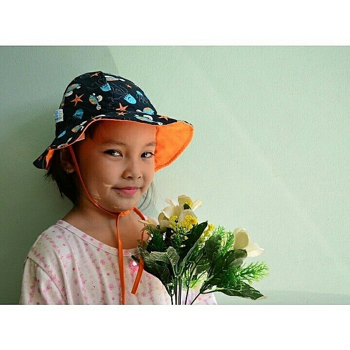 Sun hat navy sea friends Brand : My Swim baby Rp. 125.000 ~ Uk : M (6-18 bulan)~100% polyester