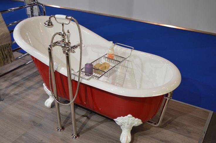 Baignoire en fonte lavande 154cm couleur rouge porte for Baignoire en couleur