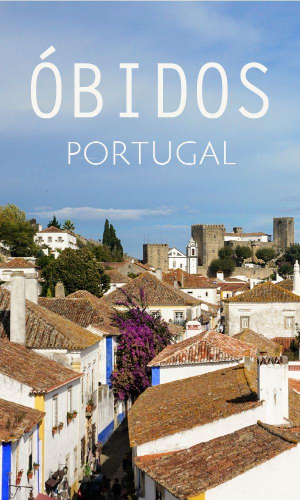 Óbidos em Portugal é uma vila medieval, com poucas ruas, mas muito encanto o vilarejo é o passeio perfeito para um bate-volta de Lisboa.