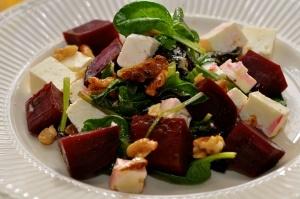 rødbet og chevresalat