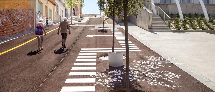 Accesibilidad universal, desapercibida y a bajo costo: proyecto de urbanización en Malgrat de Mar,© Adrià Goula