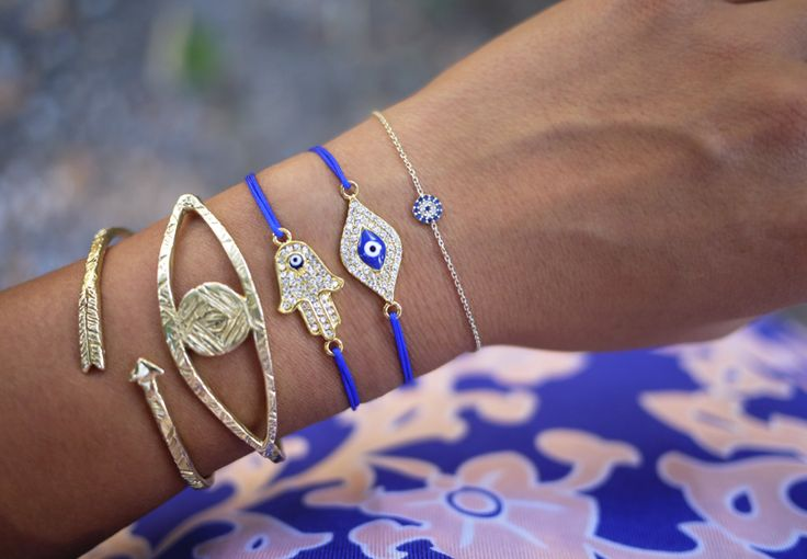 After visiting the Mediterranean twice this past year, I've come to embrace the ubiquity that is the evil eye symbol and have since integrated it into the jewelry repertoire. Today I'll be showing you how to make a sliding knot bracelet with an evil eye charm, which is thought to protect against