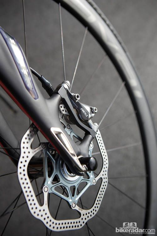 SRAM's range-topping red disc brakes adorn the s-works roubaix sl4: