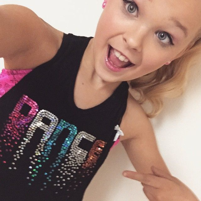 Hey guys my name is Jojo and I am 11 years old and single!! My favorite colors are blue and teal! Anyone Intro!?