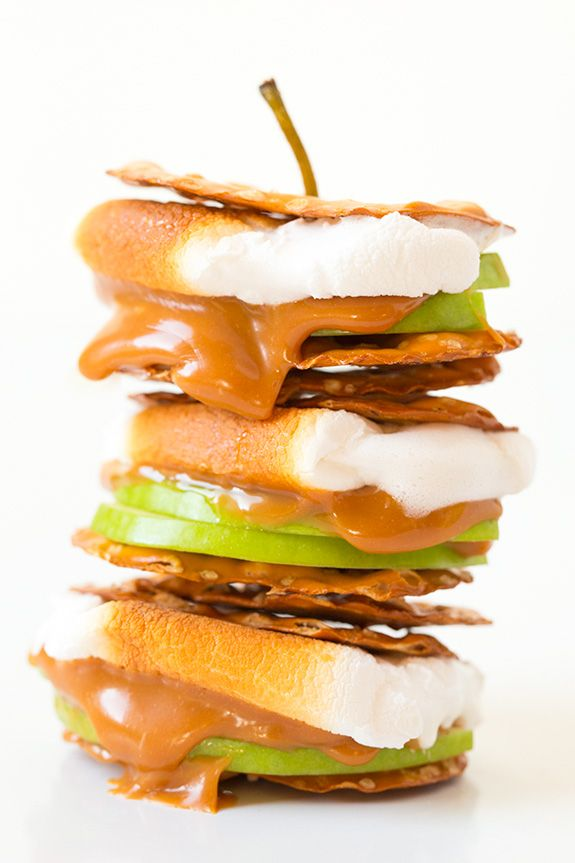 Caramel Apple Pretzel S'more // pretzel crisps, sliced granny smith apples, melted caramel, vanilla marshmallow S'mores - Cooking Classy