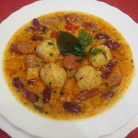 Egy finom Bableves burgonyagombóccal ebédre vagy vacsorára? Bableves burgonyagombóccal Receptek a Mindmegette.hu Recept gyűjteményében!