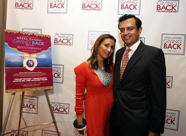 'Giving Back' is Meera Gandhi's cinematic tribute to all her friends in high places and the good that they do for others through organizations for women and children, addressing everything from human rights to micro-credit.  Featured in the film are her interviews with Cherie Blair, Kerry Kennedy, U2′s singer Bono, Peter Raj Singh, interior designer Clodagh, Steven Rockefeller and others.