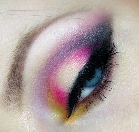 Miltona flower via #milady #eyes #eyemakeup #pretty #summer #colorful - bellashoot.com