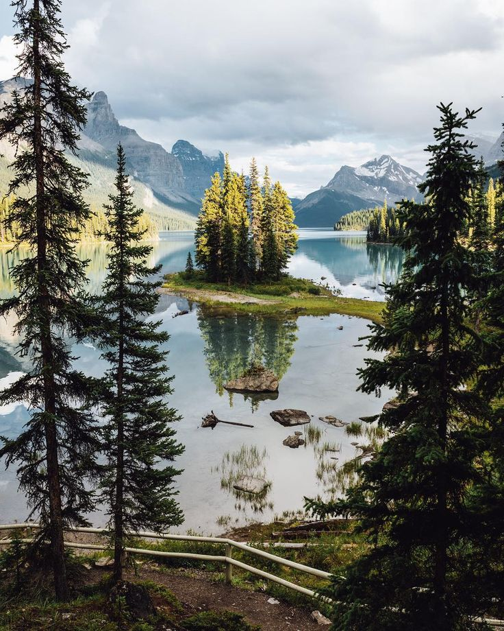 Spirit Island (Jasper, Alberta) by Tom Parker (@tomparkr) on Instagram