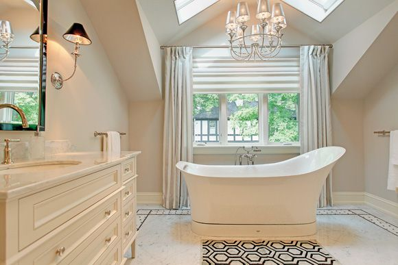 .: Dreams Houses, Bath Tubs, Bathroom Interiors, Cream Bathroom, Dreams Bathroom, Beautiful Bathroom, White Bathroom, Home Bathroom, Master Bathroom