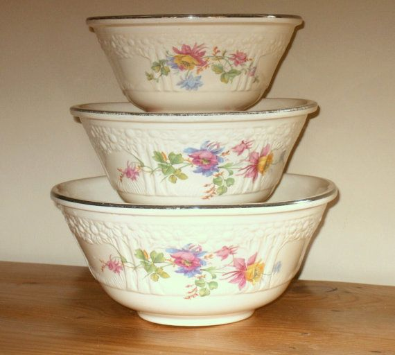 "Homer Laughlin ""Orange Tree"" Nesting Bowls with floral motif"