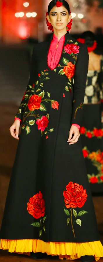 Evergreen Black! #Rohit Bal #Spring/Summer 2015 #Gown