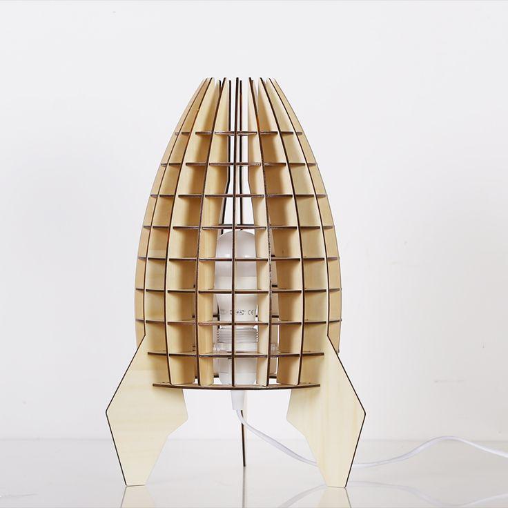 Originálne stolové drevené svietidlo z kolekcie iWood – VAZE4