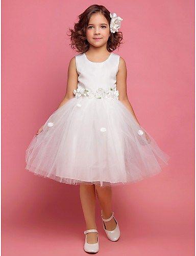 10-Ideas-para-realizar-vestidos-de-comunión-modernos-8.jpg (384×500)