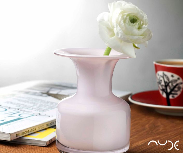 Show off your flowers with our beautiful nude jug. All glassware available from NW3 Interiors with Free interior design consultation available in London. Contact olivia@nw3inteirorsltd.com or call 02072094442
