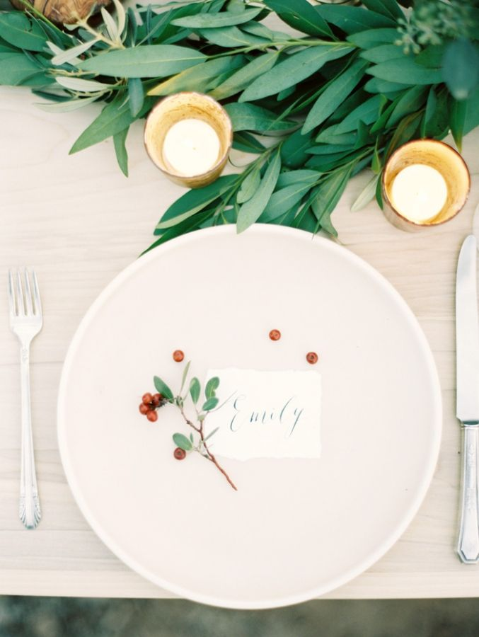 Bone China Place Setting with Berries and Greenery Photography | Darkly Romantic Baroque Wedding Inspiration