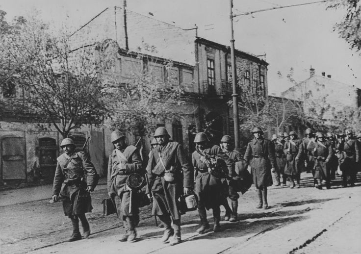 October 1941. Romanian troops entering Odessa. Pin by Paolo Marzioli