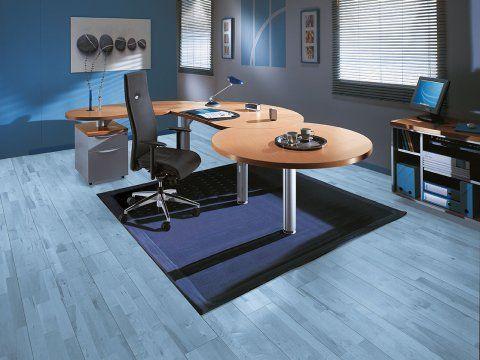 Imagen: oficina decorada en tonos de azul.