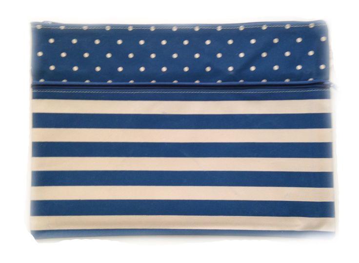 Estuche Vintage Azul http://www.tuttematute.cl/estuche-vintage-azul